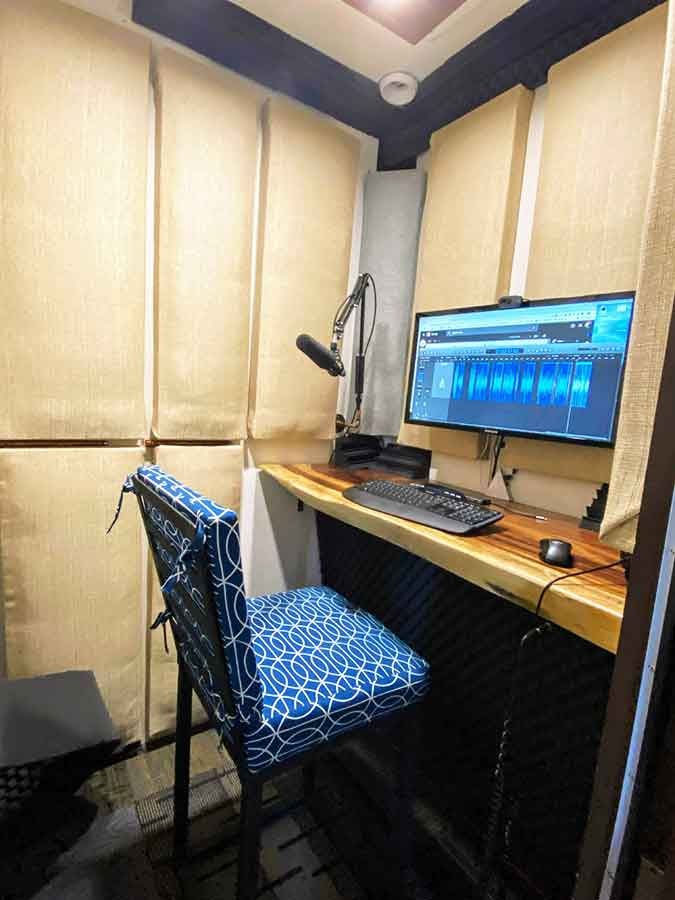 Custom built voice over studio vancouver island british columbia